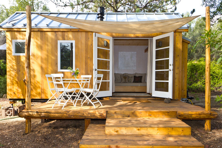 Sun Shades and Awnings for Tiny Houses | ALEKO Blog